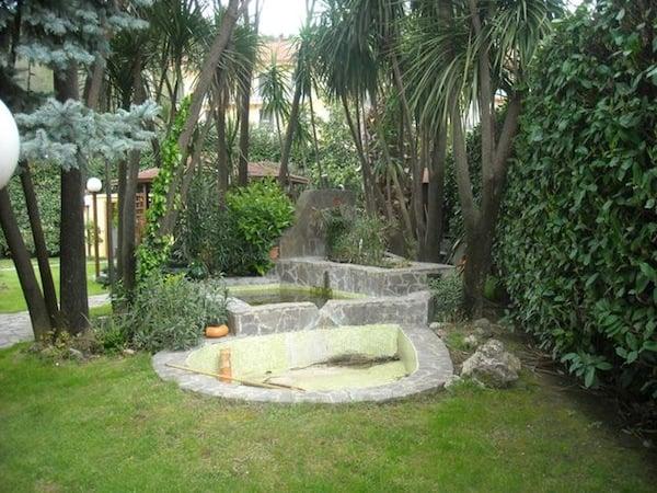 Vasche in porfido giardino for Vasche laghetti