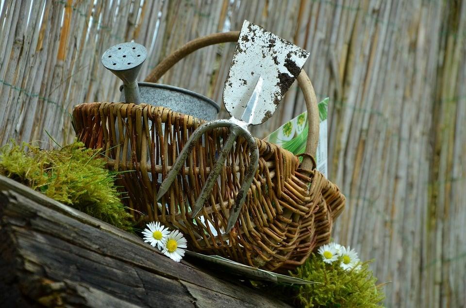 Cesto-attrezzi-giardinaggio