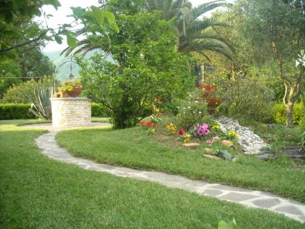 Pozzi Da Giardino In Pietra.Pozzo Giardino