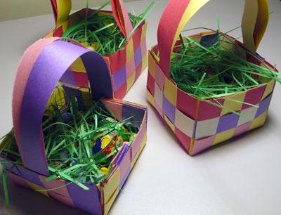 cestino di pasqua di carta colorato
