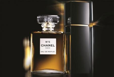 Profumo Chanel N 5 e bagnoschiuma Huile intense pour le bain