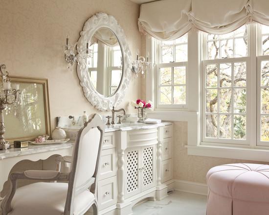 Come decorare uno specchio da parete
