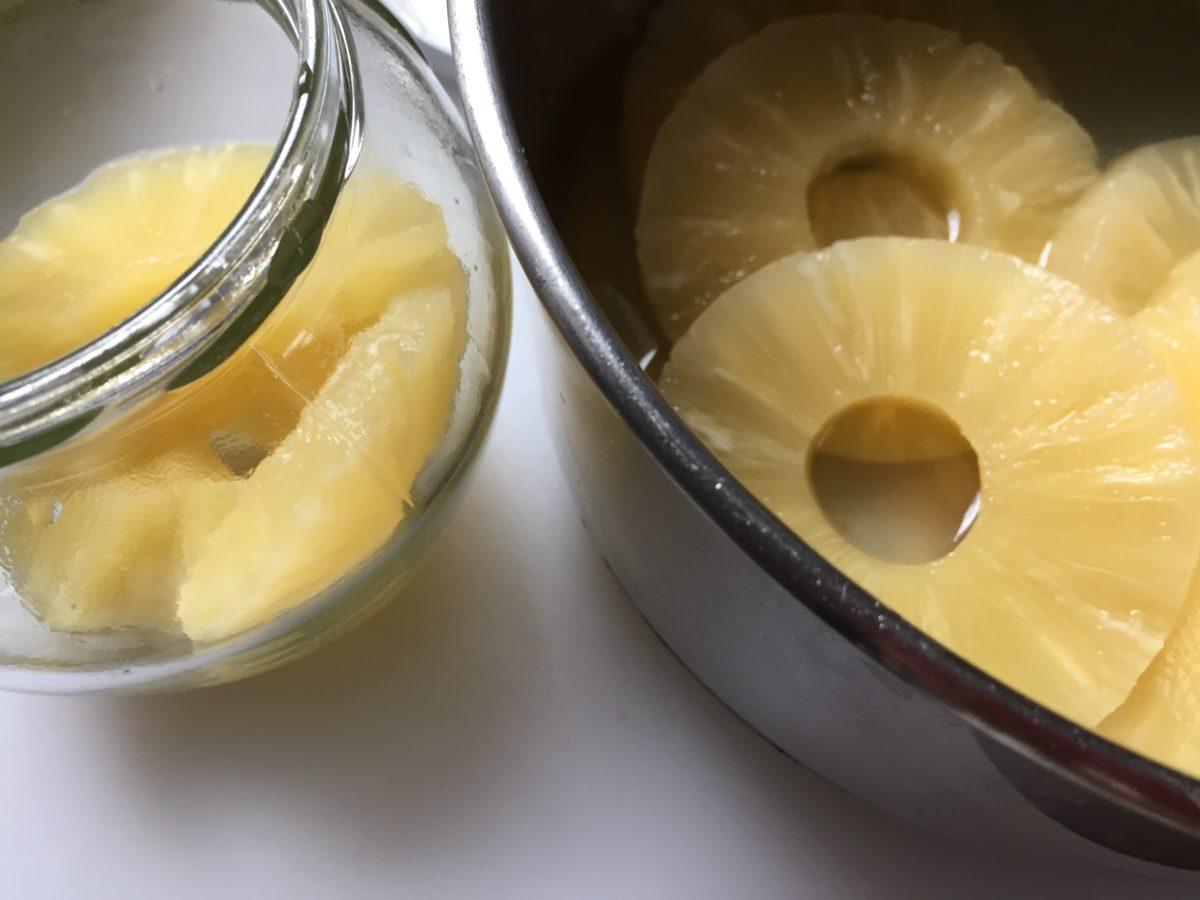Ananas sciroppati-preparazione