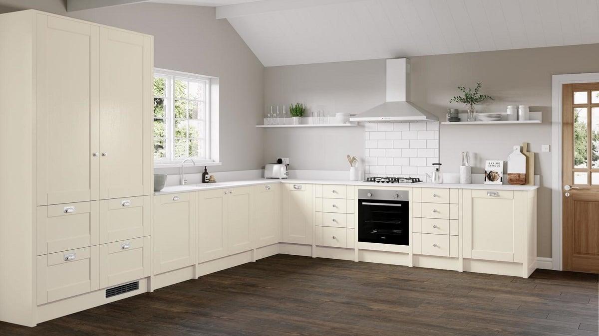 cucina-color-crema-arredare-con-stile-ed-eleganza-1