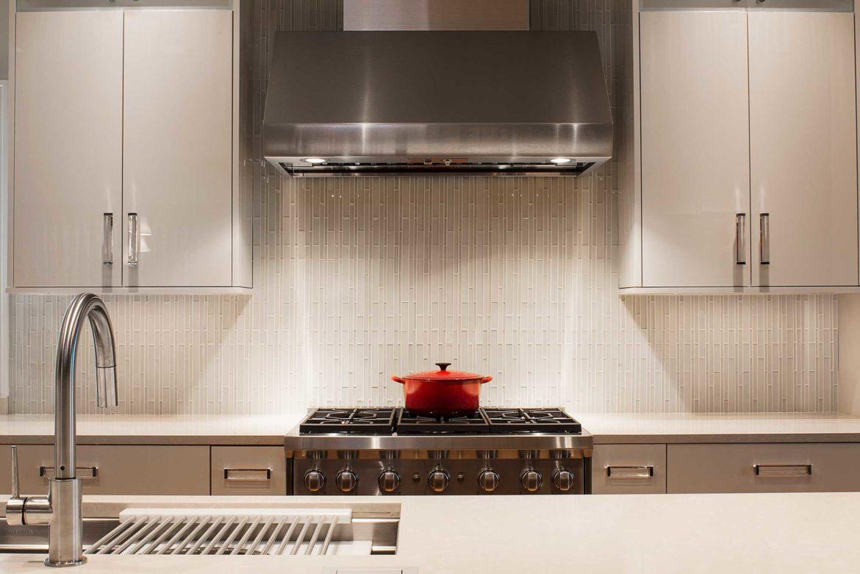 cucina-color-crema-arredare-con-stile-ed-eleganza-3