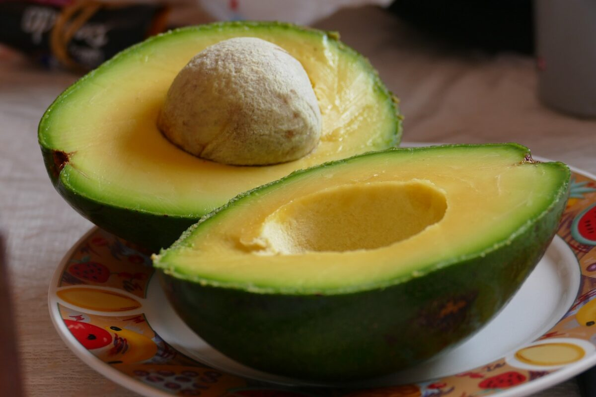 Maschera-viso-olio-avocado