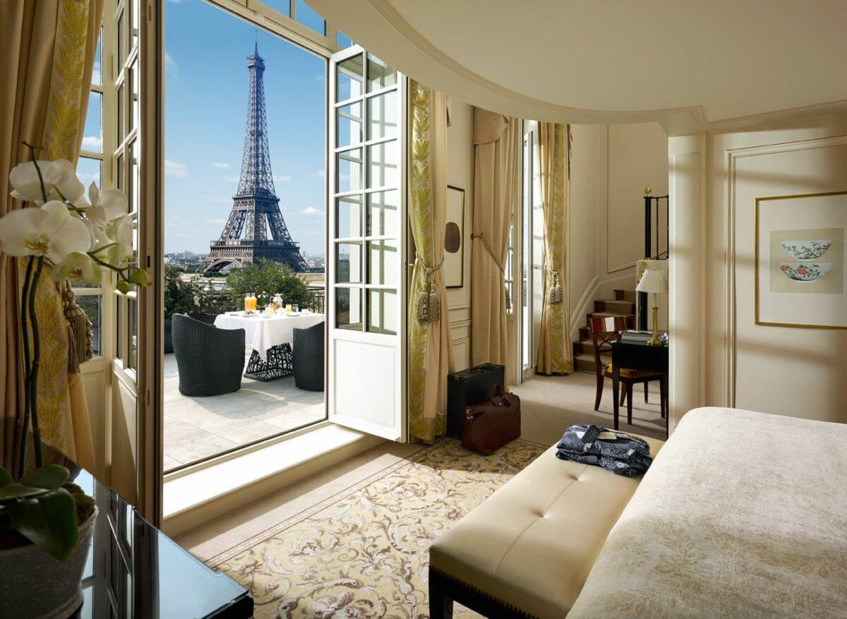 15629_eiffel-duplex-terrace-suite-min