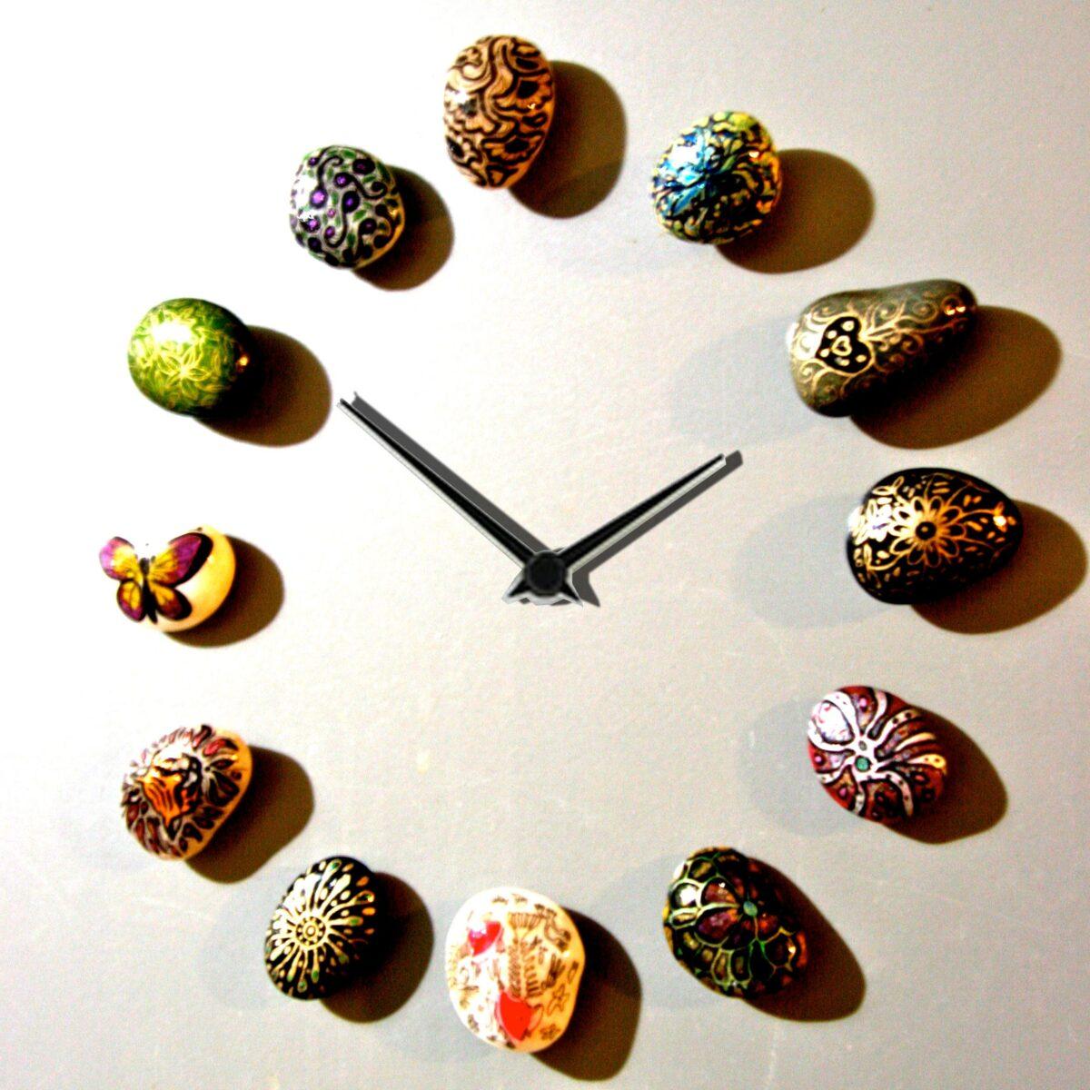 arredare-sassi-orologio