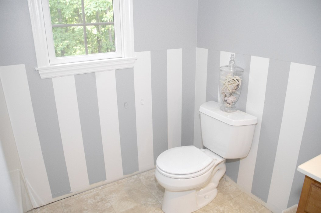 pareti-bagno-a-strisce (3)