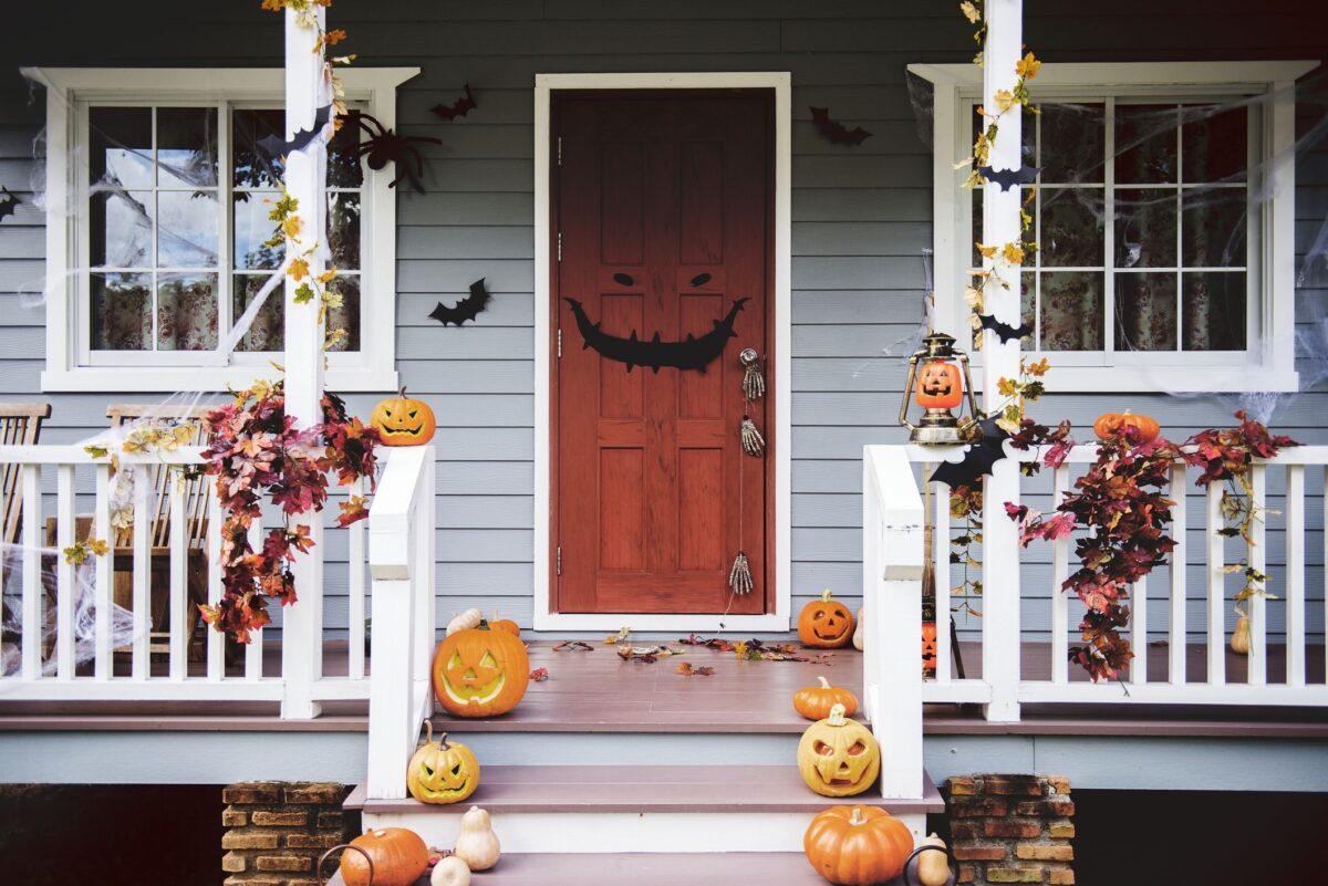 abbellire-porta-ingresso-per-halloween-13