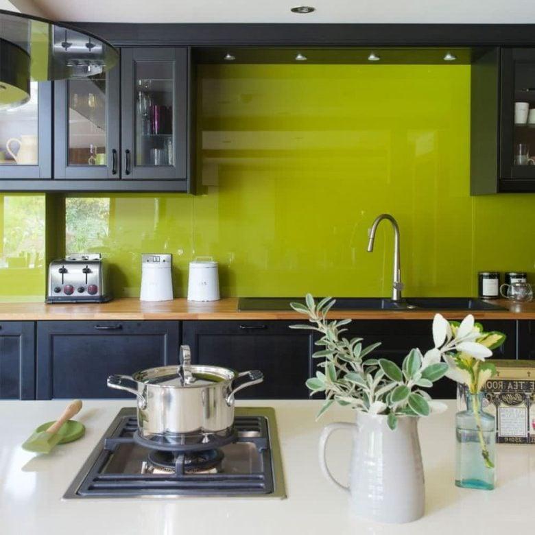 pareti-verde-lime-cucina-moderna