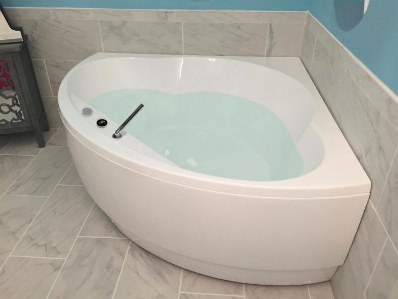 bagno-moderno-vasca-angolare