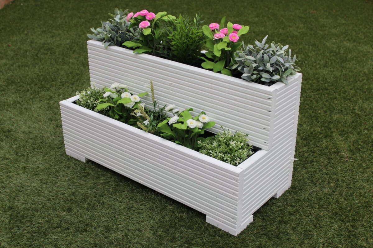 abbellire-giardino-bianco-vasi