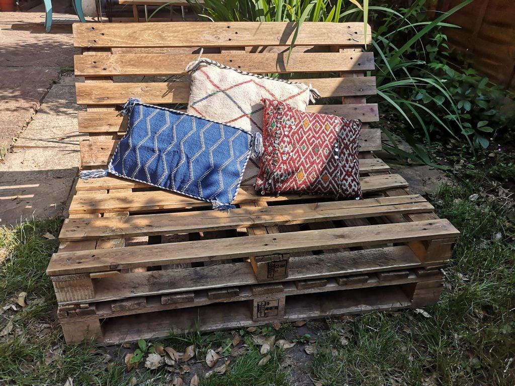 divano-pallet-giardino-1
